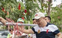 海南琼海一酒店收购特大龙胆石斑鱼 重达158斤